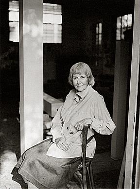 Anne Truitt in her studio in Washington, D.C. in 1995. (Photo by John Dolan. Artwork © Estate of Anne Truitt.)