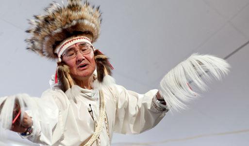 Chuna McIntyre presents a Yup'ik Eskimo story at the 2009 Festival. (Photo courtesy Fresh Air Photo)