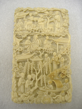 Card case made in China during the 1830s for the U.S. market.
