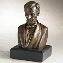 The Lincoln bust sold by the Smithsonian store.