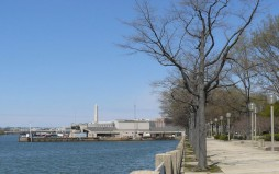 Approximate site of Sixth Street Wharf, showing the District Harbor Patrol Pier with the Washington Monument in distance. (Photo by Diane Wendt)