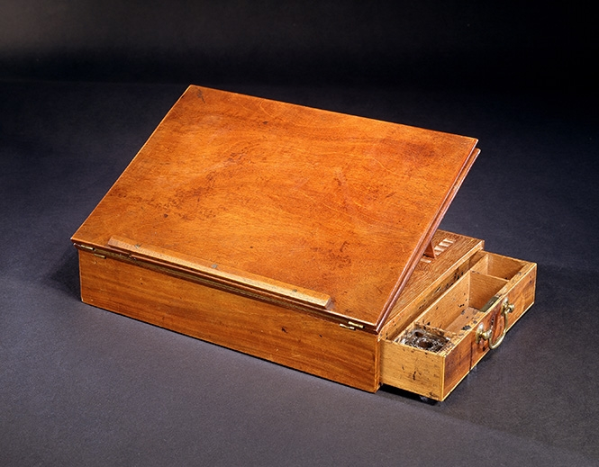 Thomas Jefferson's writing desk, 1776