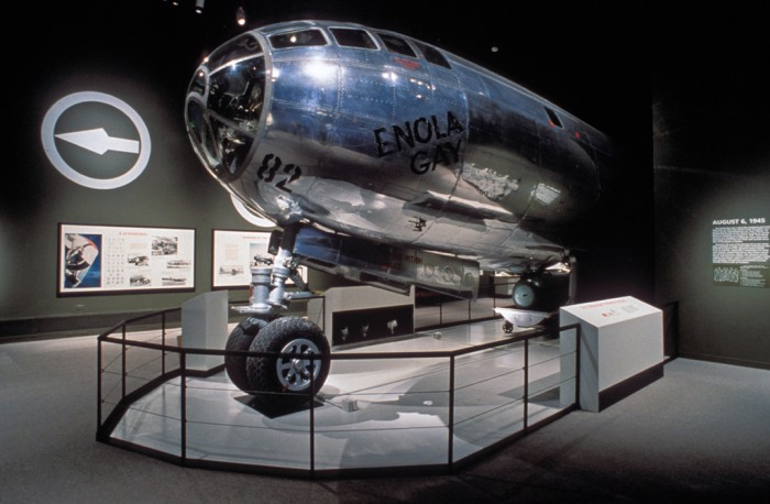 World War, 1939-1945, B-29 bomber, Airplanes, Exhibitions, Controversies, Enola Gay (Bomber), National Air and Space Museum, Enola Gay (Exhibition) (1995: Washington, D.C.)