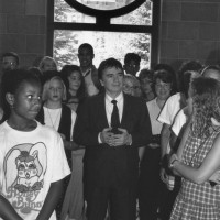 Actor Dudley Moore visits the National Museum of African Art, ca. 1988 - 1991