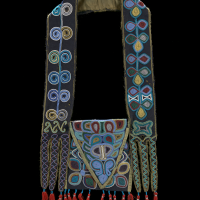 Muscogee (Creek) bandolier bag, ca. 1814, Alabama Wool fabric and tassels, silk fabric, dye, glass beads, cotton thread (Photo by Ernest Amoroso)