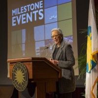 Johnnetta Cole, director of the African Art Museum, praises Secretary Clough for his leadership on several important initiatives for the Smithsonian, including the groundbreaking for the National Museum of African Art and Culture. (Photo by Michael Barnes)