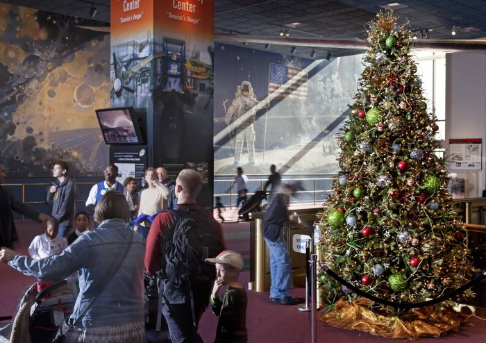 Christmas 2014 at the National Air and Space Museum (Photo by Eric Long)