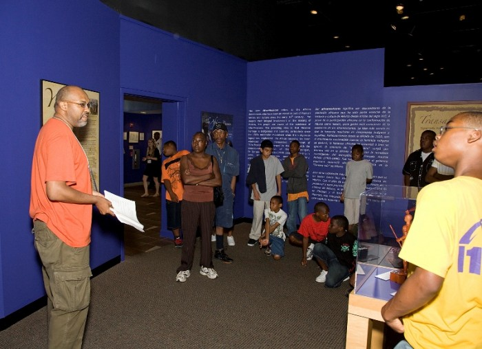 Robert Lee giving a tour at the Anacostia Community Museum