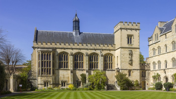 "Pembroke College (Oxford University) founded in 1624. (""UK-2014-Oxford-Pembroke College 04"" by Godot13 - Own work. Licensed under CC BY-SA 3.0 via Wikimedia Commons)"