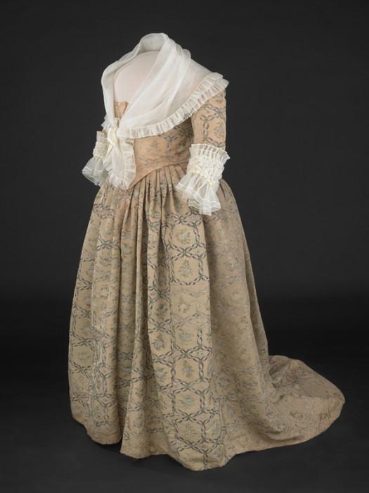 Washington's gown