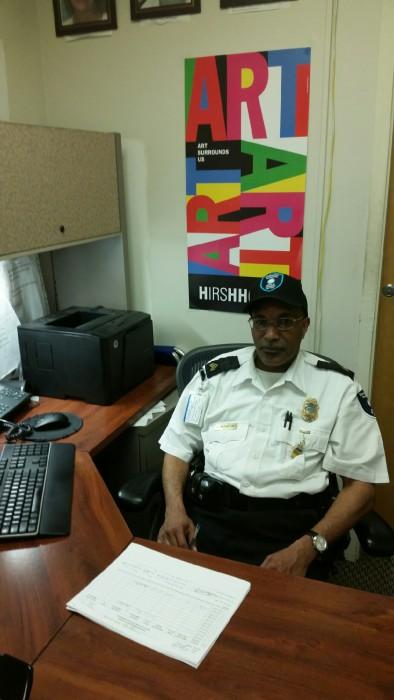 Sgt Washington at desk