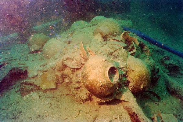 Large pot in underwater wreckage