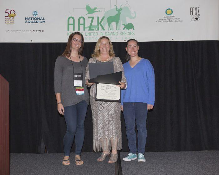 Chelsea and Hillary accept AAZK Award