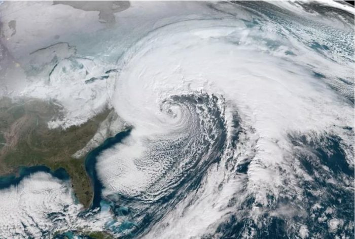 Satellit eimage of bomb cyclone on East Coast