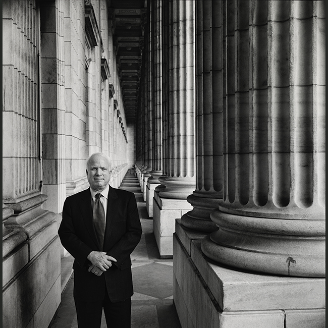 McCain poses among pillars of Capital Building